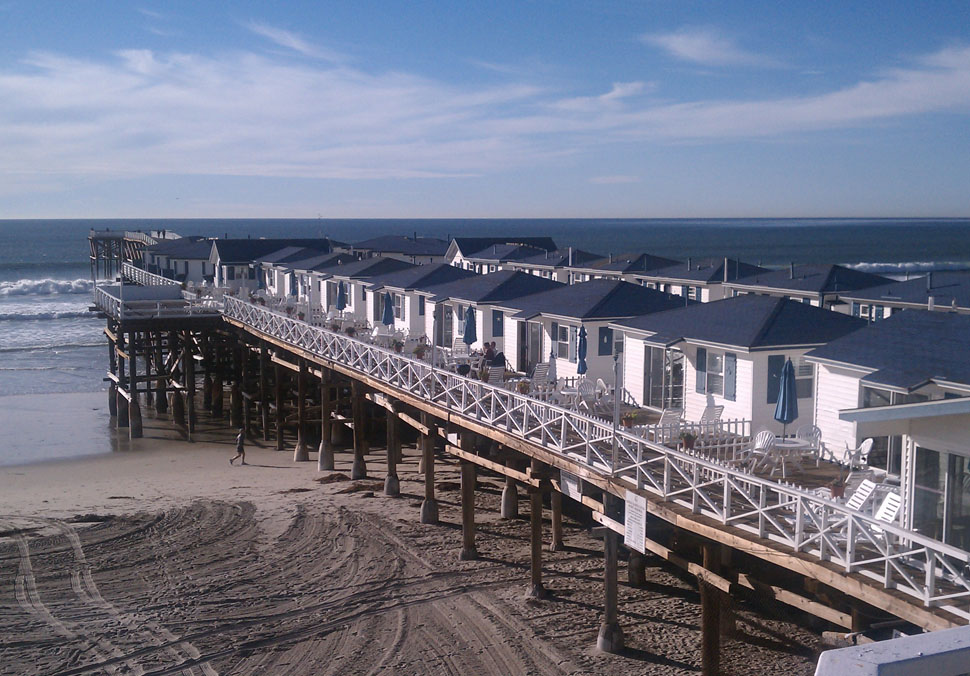 San diego beach hotels crystal pier cottages gallery for San diego pier fishing